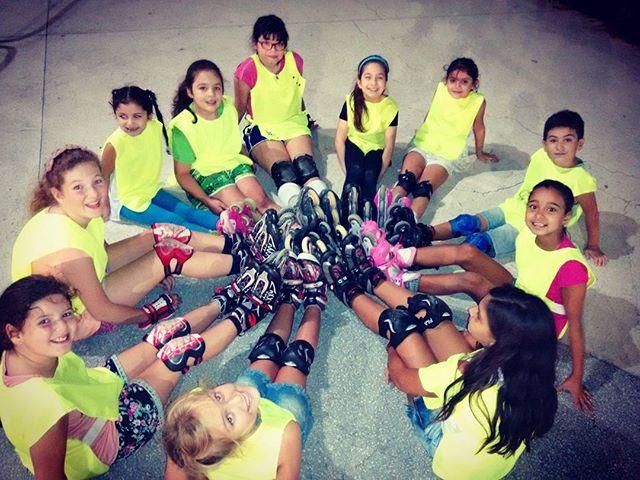 Los esperamos hoy 19_30hs en la Plaza Roca para las clases de Rollers infantil.jpg Villa Ballester