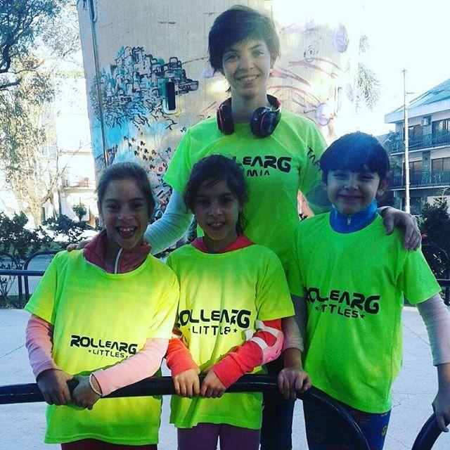 Salida Día del niño en Plaza Roca 👦👧 Todos juntos con Rollearg!  #plaza #roca #ballester #patin #t