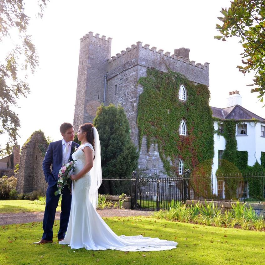 wedding_video_couple_castle