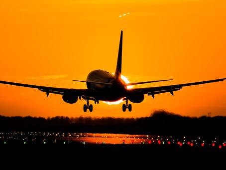 Un BOEING 737 évite une collision avec un OVNI