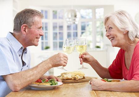 shutterstock_202533487_couple_enjoying_m