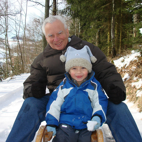 3 top tips on maintaining healthy joints in the winter