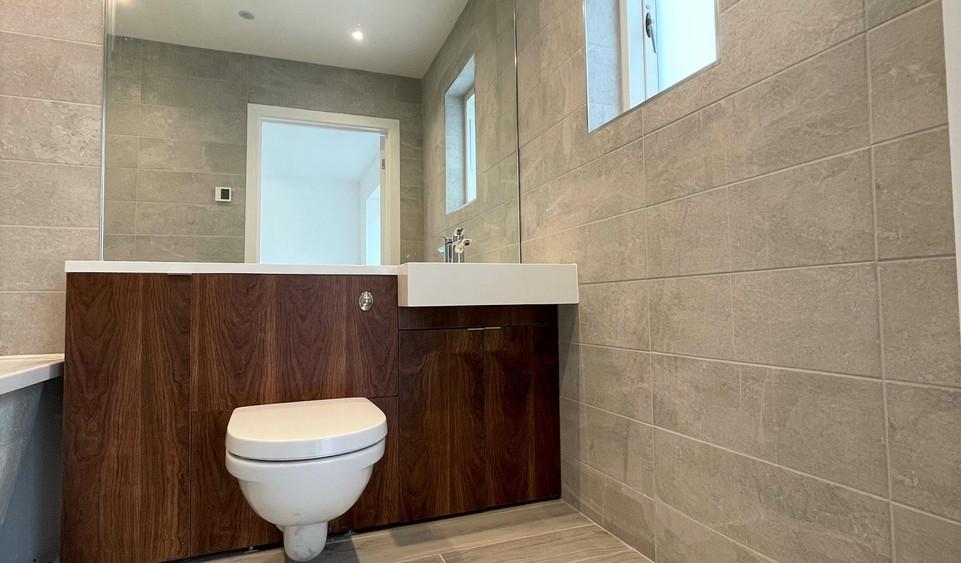 Apartment 15 - Ensuite Bathroom