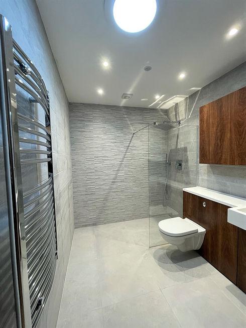 Apartment 15 - Main Shower Room.jpeg