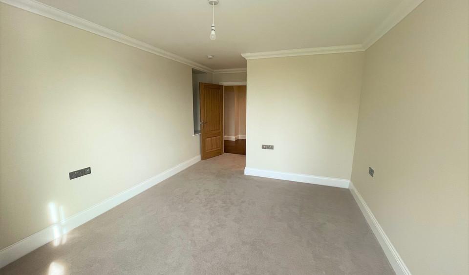 Apartment 11 - Master Bedroom.jpeg