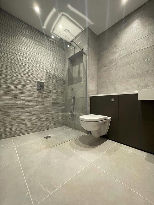 Apartment 11 - Ensuite Shower Room.jpeg