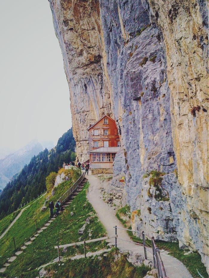 Ausflug zum Berggasthaus Aescher-Wildkirchli in der Schweiz