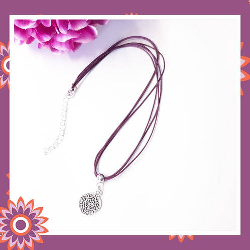 Vintage Style Flower Cord Necklace
