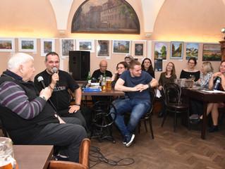 Mistr rozhlasových pohádek, Karel Weinlich zavítá do Dejvic na Talkshow Jakodoma.