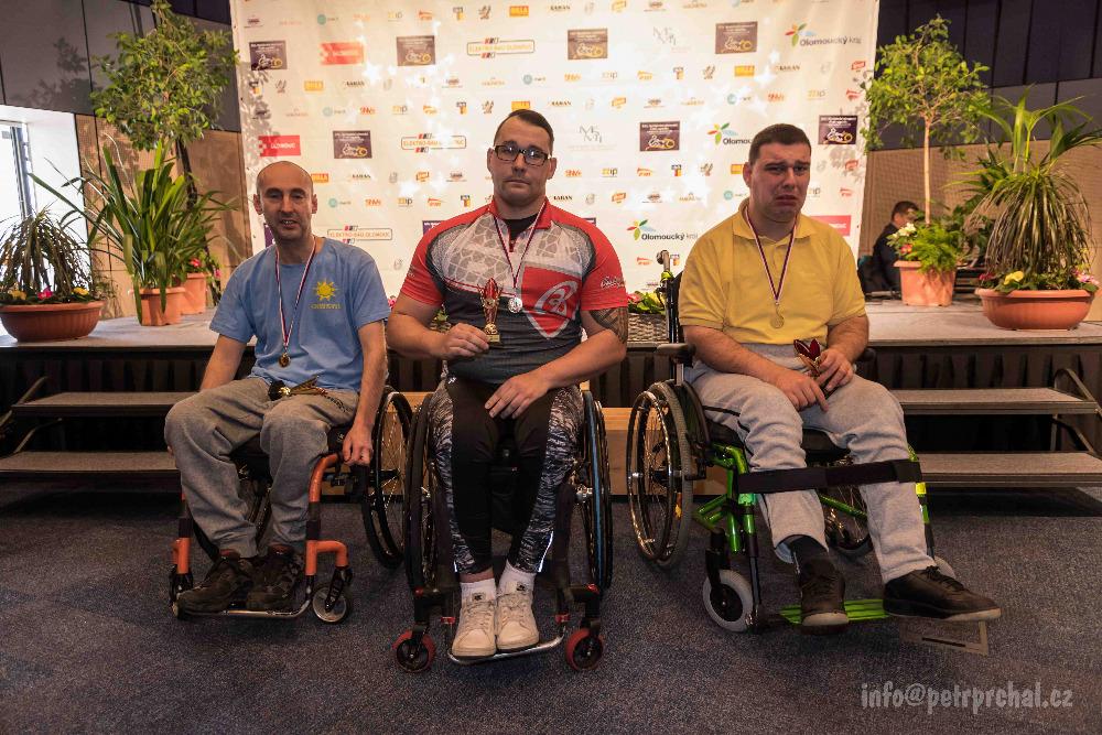 tělesně handicapovaní (vozíčkáři)  Jiří