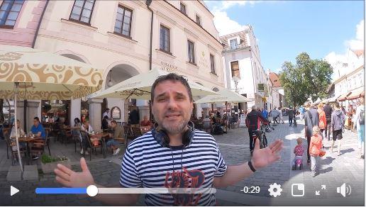 Dušan na náměstí v Třeboni.
