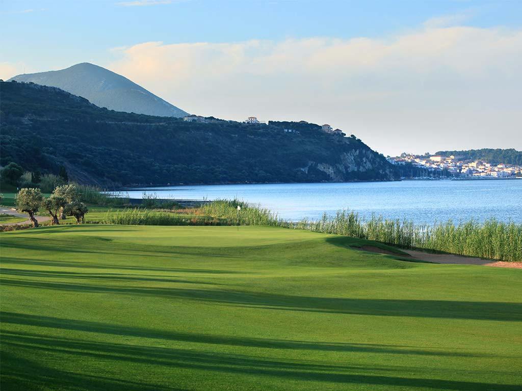golf-grece-bay-course-green-mer-village-