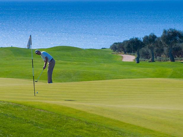 golf-grece-dunes-course-golfeur-green-vu