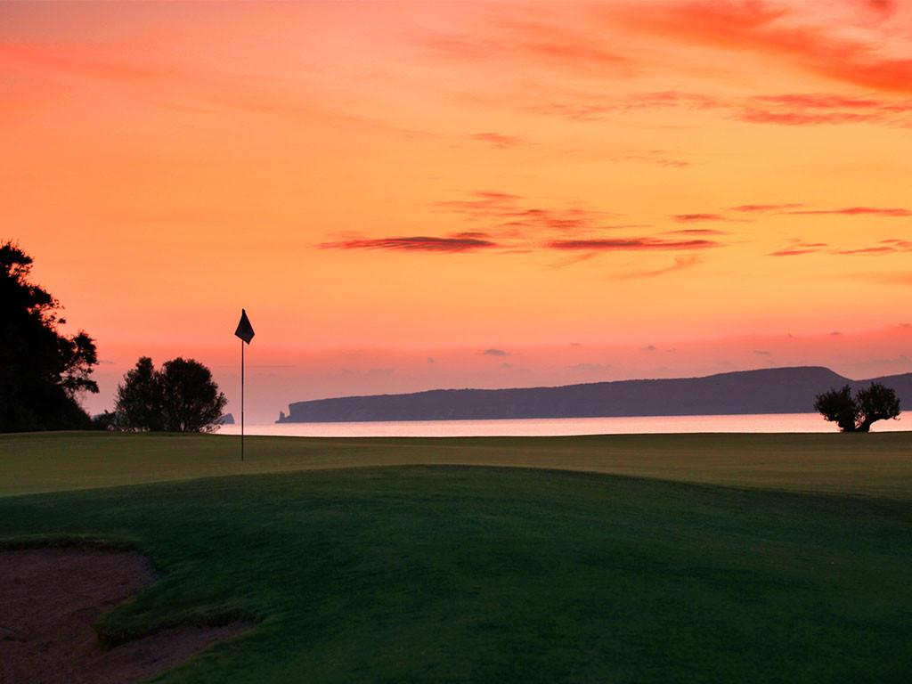 golf-grece-bay-course-green-drapeau-bunk