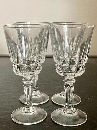 Reale Dividiere Glass