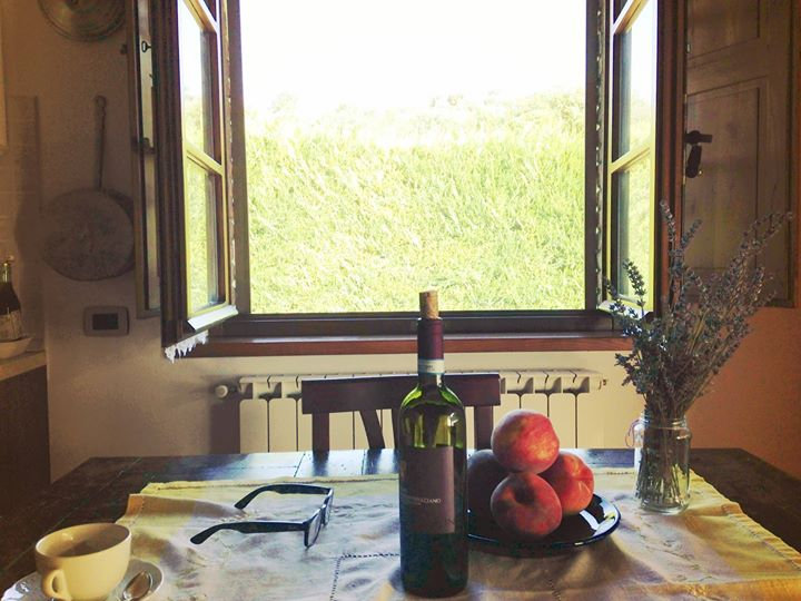 Cottage Tenore in Montepulciano where Michael and Deborah Hernandez-Pascolla take residence in Tuscany, Italy.