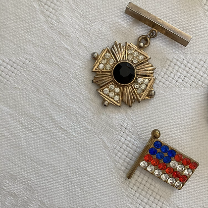 Games of the Patriot Pins (Set of 2)