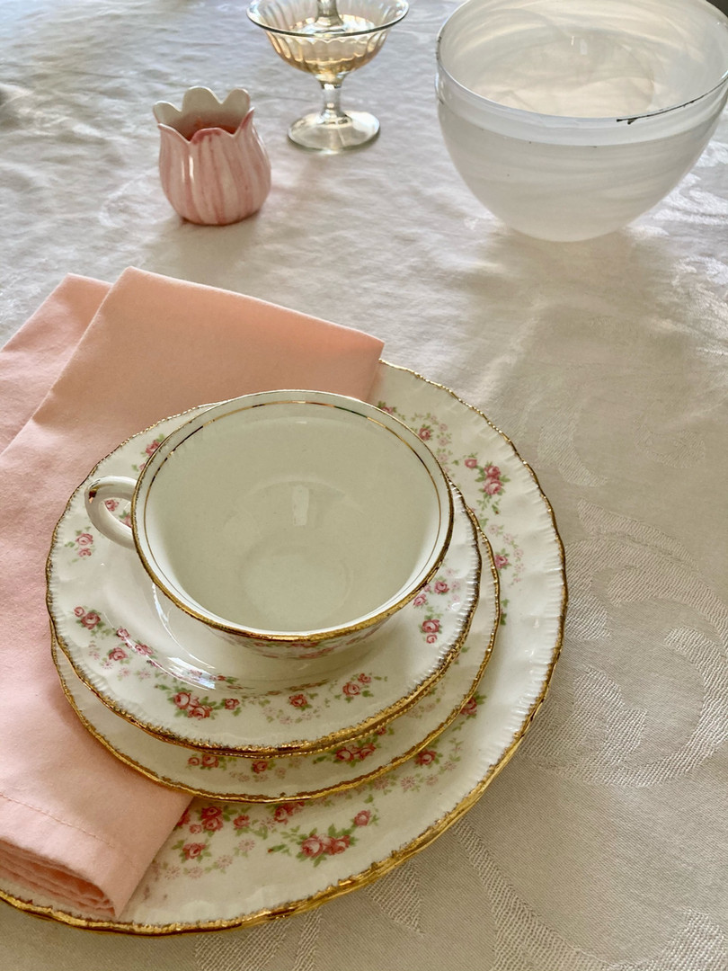 Pretty in Pink Tablesetting