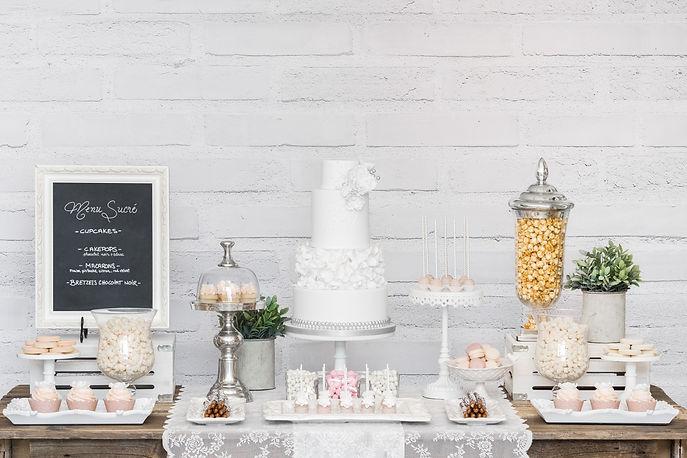 Farine-et-chocolat-table-sucree-sweet-table-mariage-wedding-romantique-chic-gateau-blanc-r