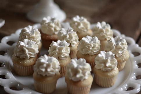 Frine-et-chocolat-cupcakes-mariage-weddi