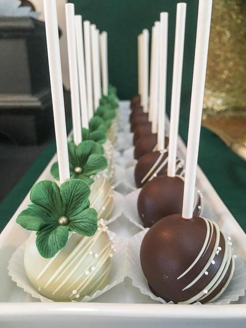 Farine-et-chocolat-cakepops-blanc-noir-v