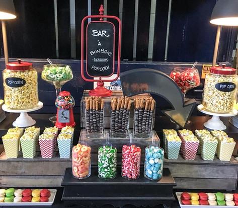 Bar à bonbons et popcorn