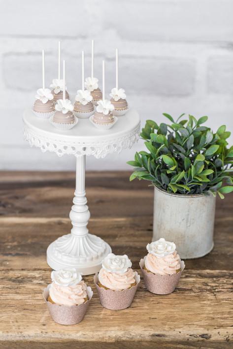 Cakepops et cupcakes romantique