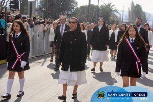 Nuestro colegio una vez más deslumbró en el desfile a nuestras Glorias Navales