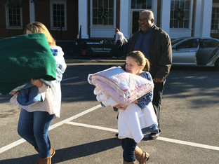 Tallahassee Democrat hosts annual Blanket Day and Food Drive