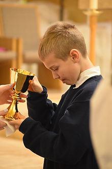 Catholic-Schools-Mass.jpg