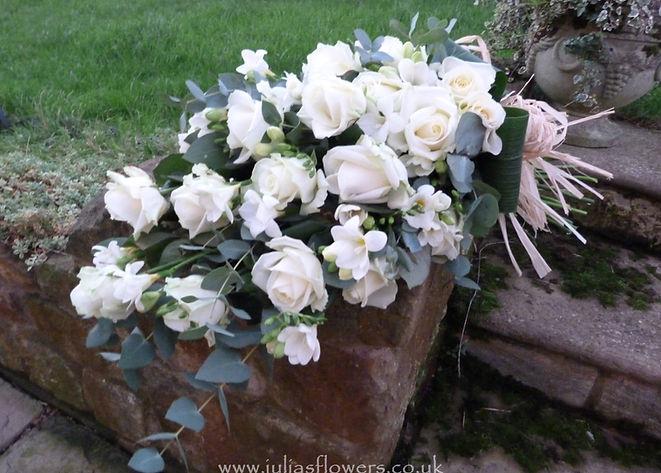 SH6 Large Whitre Rose Sheaf.JPG