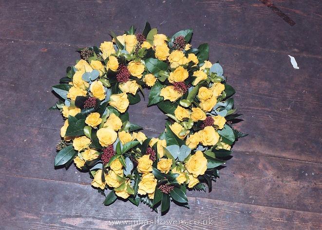 WR11 Yellow Rose Wreath.JPG