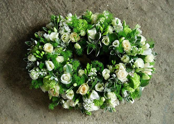 WR15 Large Cream and Green Wreath.jpg