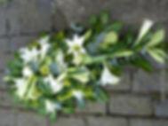 SP2 - Longi Lily Spray with Viburnum_edi