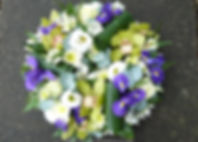 WR6 Modern Blue, Lime and White Wreath.j