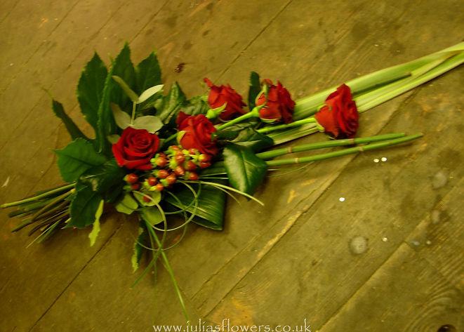 SH1 Small Red Rose Sheaf.jpg