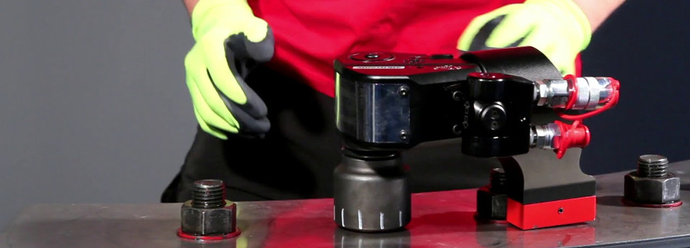 Hydraulic Pump and Wrench