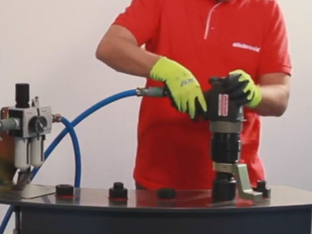 How to use a continuously rotating pneumatic torque multiplier!