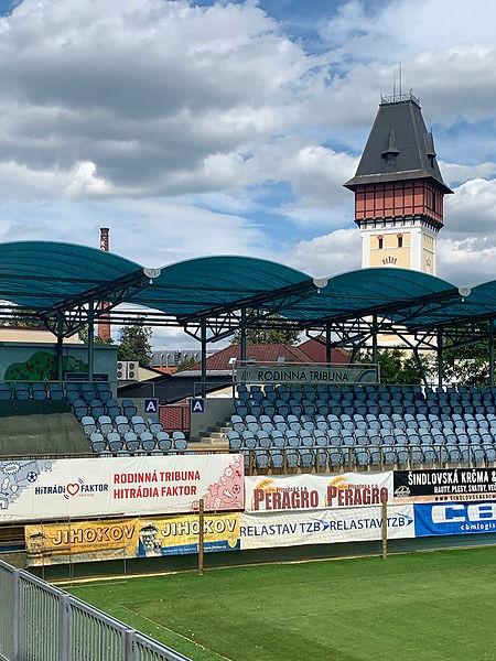 Reklamní smog na stadionu SK Dynamo v Českých Budějovicích (2020)