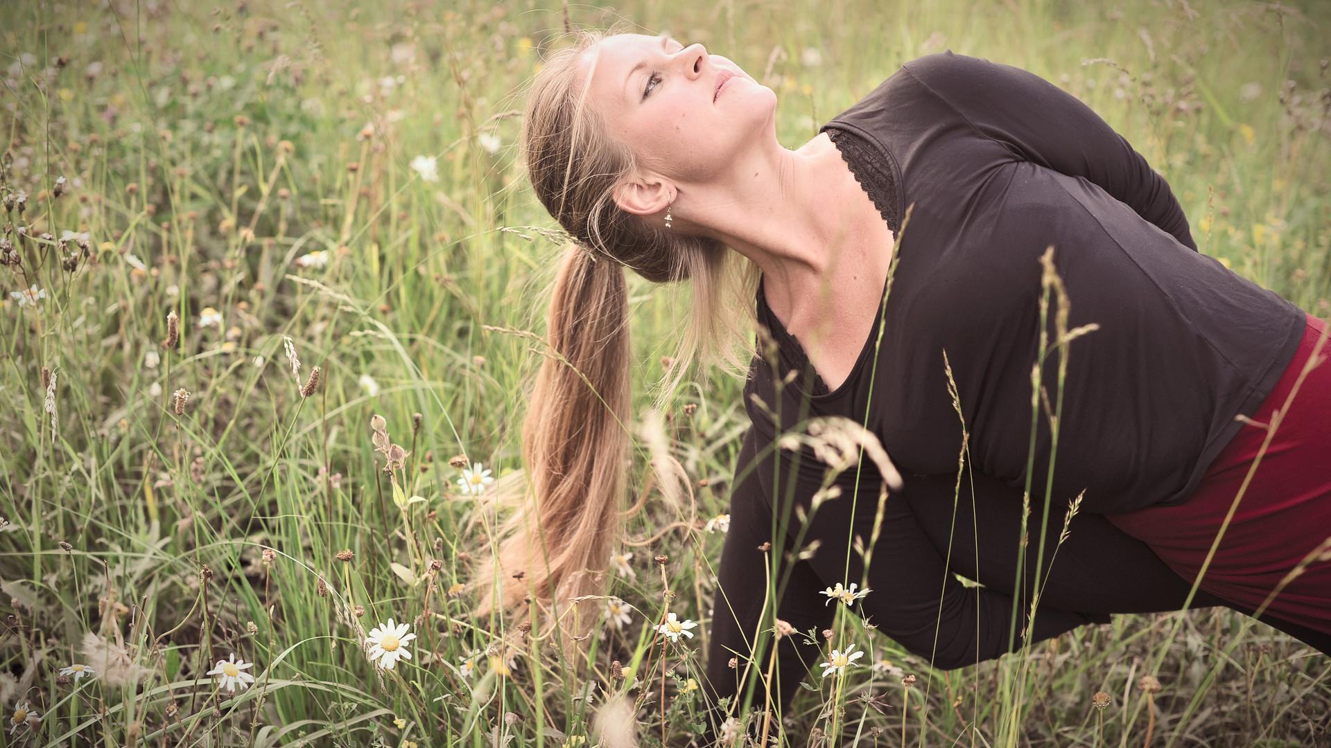 Paravritti Parsvakonasana Yoga | Katharina Kirchner | Sonnengruss Yoga & Psychologie