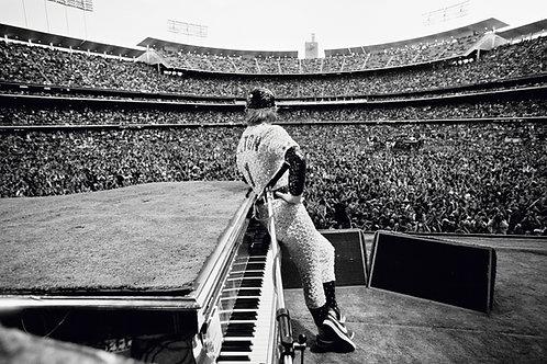 Elton John, Los Angeles, CA, 1975