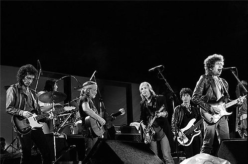 Bob Dylan, Tom Petty and Willie Nelson performing w/ the Heartbreakers