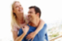 woman-and-man-happy-couple-together_uyki