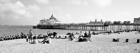 Eastbourne%20Pier._edited.jpg