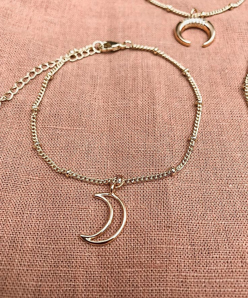 Dainty Moon Bracelet