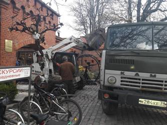 Спецтехника работает на Памятниках архитектуры в Калининграде