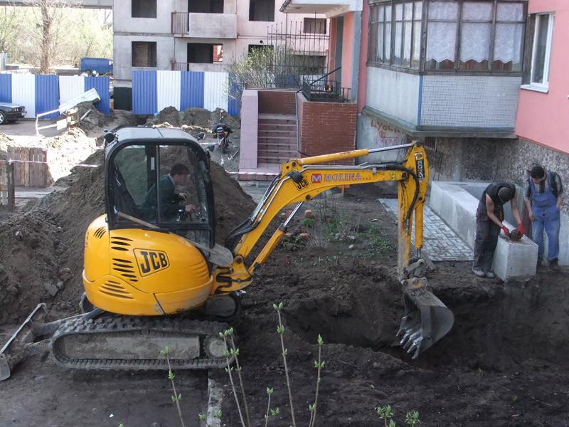 Аренда мини-экскаватора в Калининграде.jpg