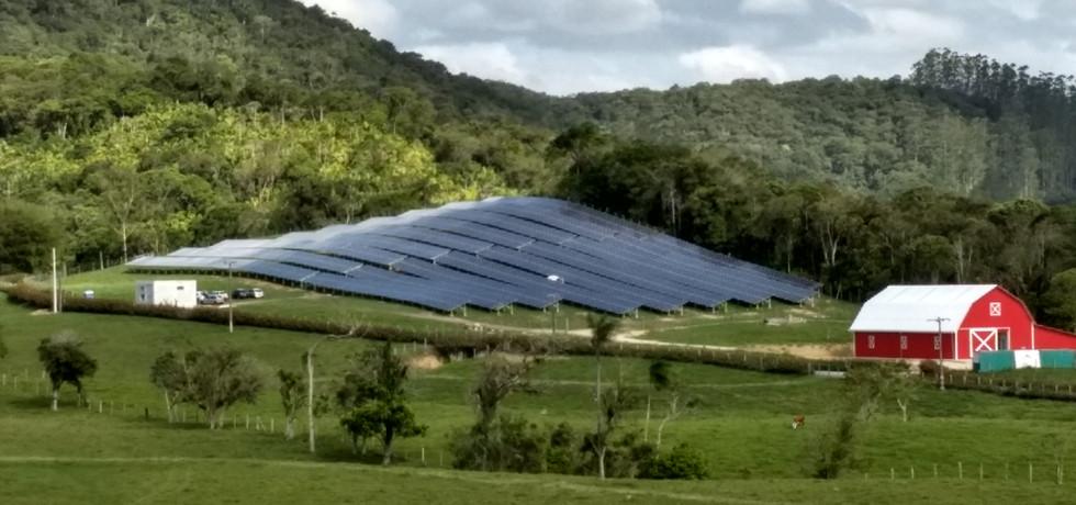 Usina fotovoltaica - Aradefe Indústria e Comércio de Malhas Ltda