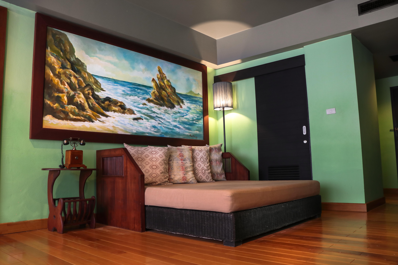 Room Suite Pool VIew 6_result