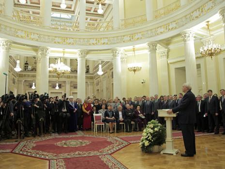 Почетный знак «За особый вклад в развитие Санкт-Петербурга» вручен Георгию Полтавченко